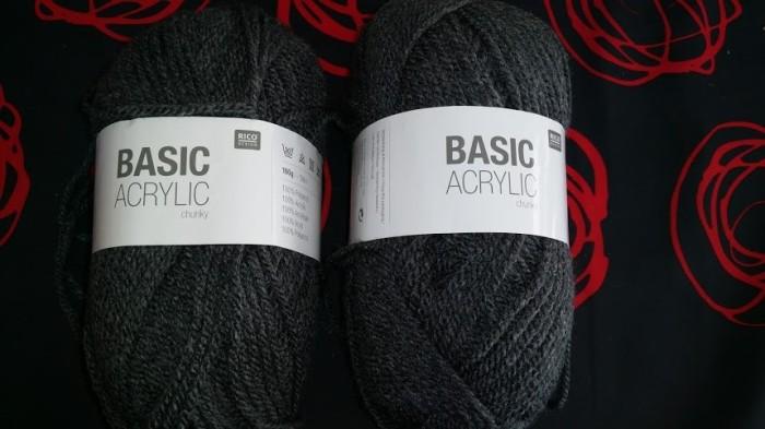 pelotes-basic-acrylic